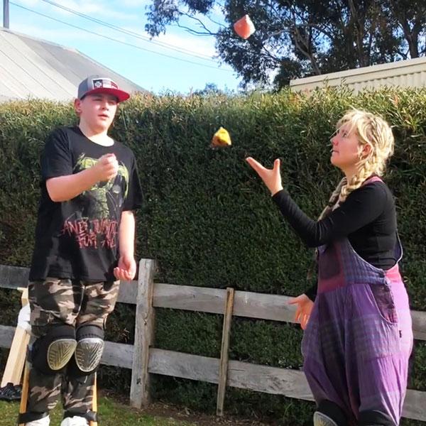 Kids Entertainment - Juggling Workshop | Ryn Hooligan